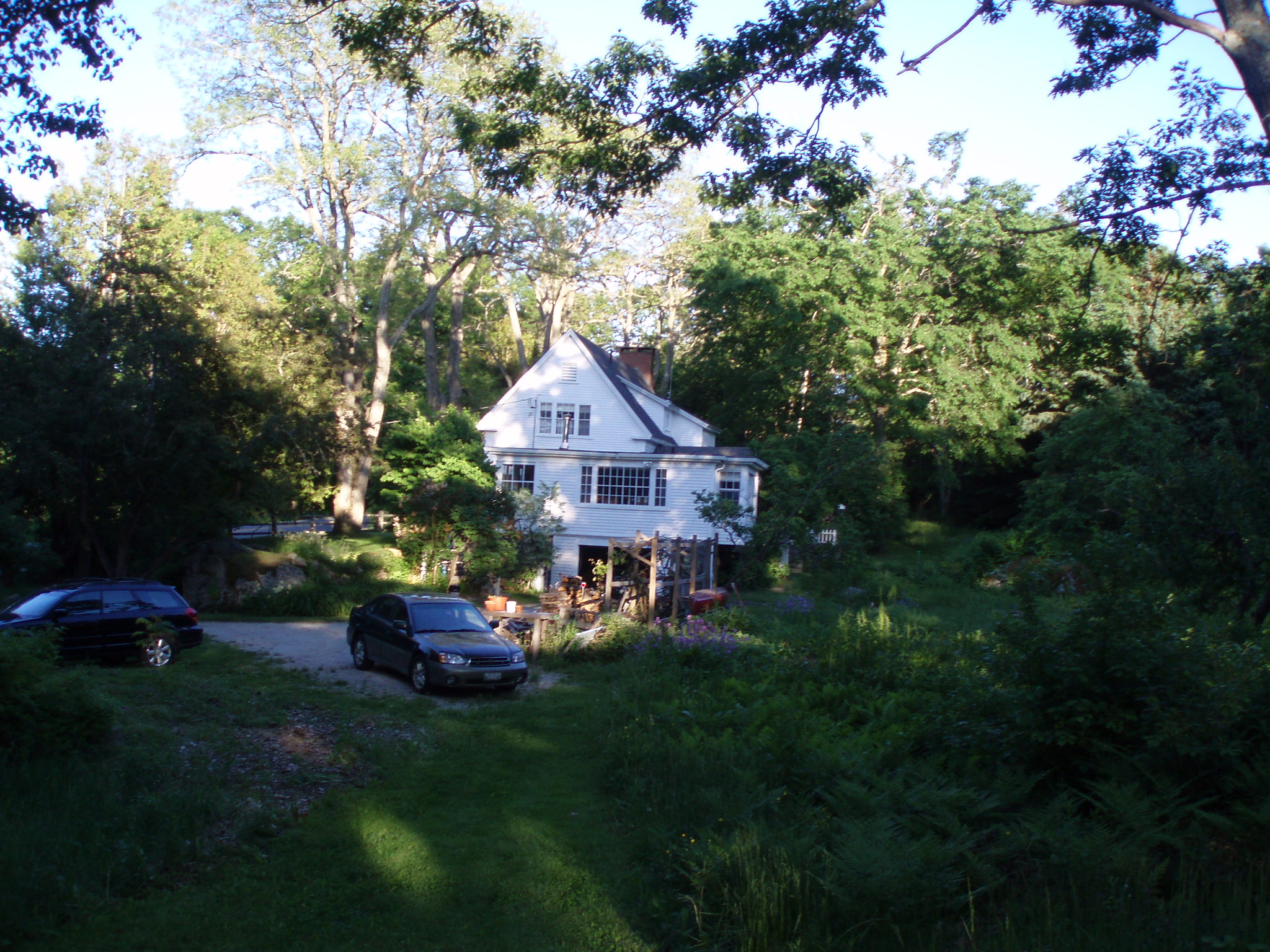 outside view of Jennifer and Berto's beautiful White House in Blue hill Maine